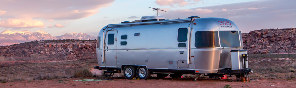 best-electric-power-jack-for-trailers-rvs-a-frame