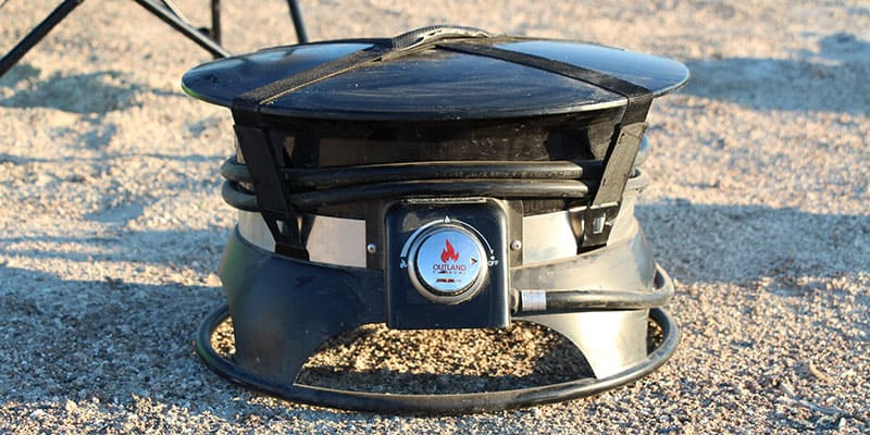 The Outlander Firebowl has a lid and straps to hold everything in place