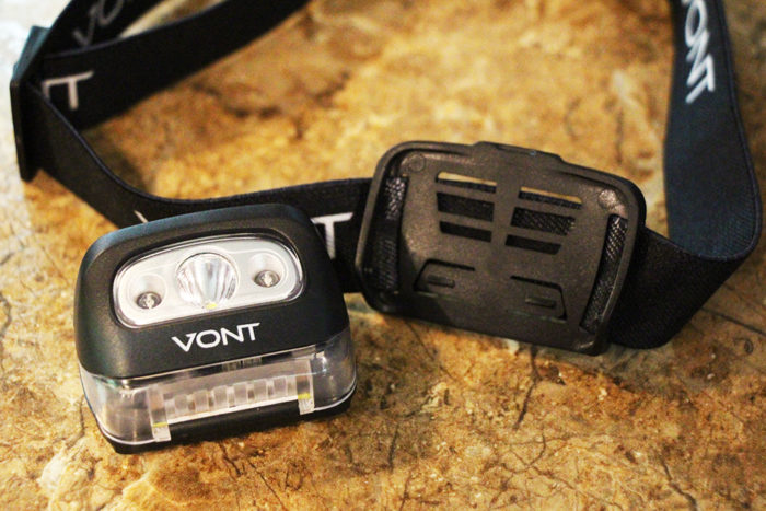 When drop testing the Vont Spark the light came off the strap but it was easy to snap back into place.