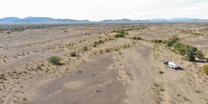Open free camping area at Plomosa Road in Quartzsite Arizona.