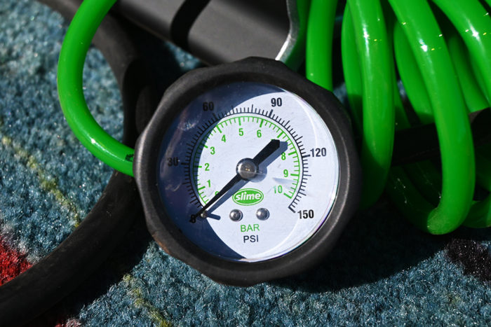 0-150 psi inline pressure gauge on the Slime 2x heavy duty direct drive tire inflator.
