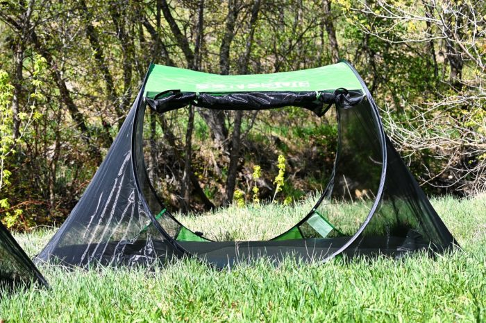Sansbug 3 person popup screen tent with both zippered doors open