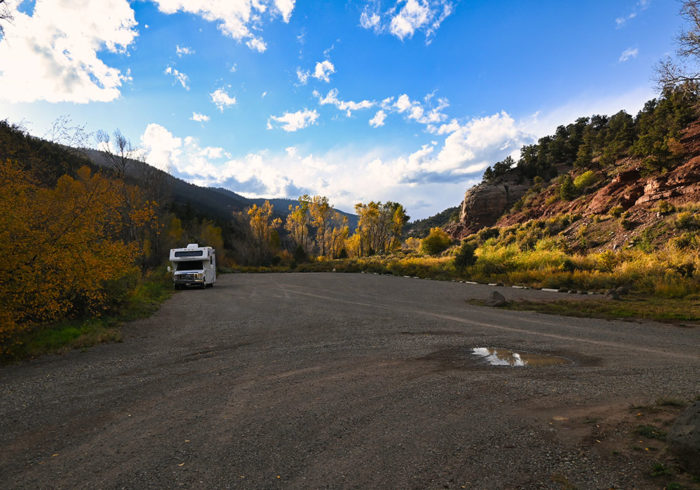 parking area you can camp in at Caddis Flats Campground